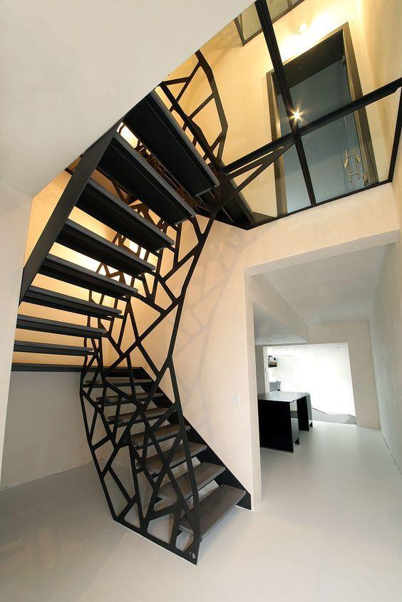 Входная лестница на металлокаркасе