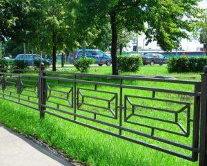 металло заборы для газона