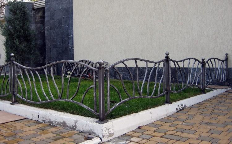 заборчик для клумбы из металла