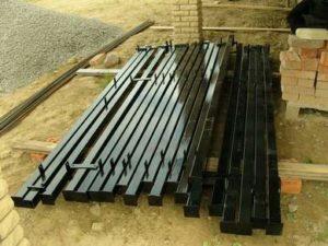 изготовление металлических столбов для забора