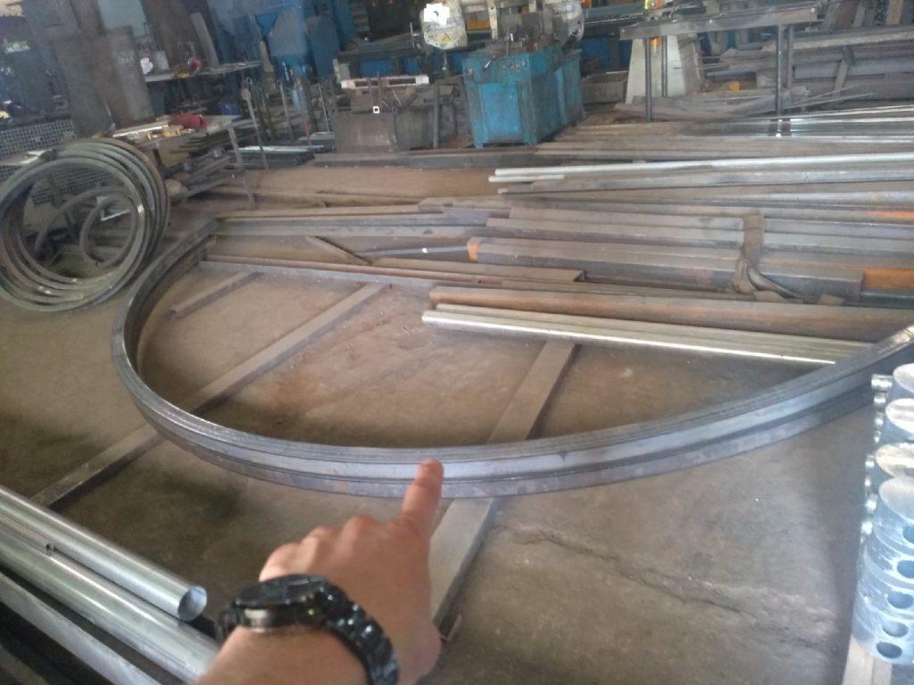 Гнутый швеллер на производстве