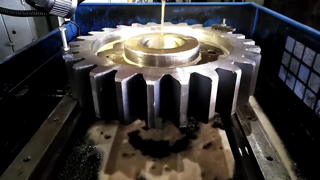 Изготовление шлицов в отверстии