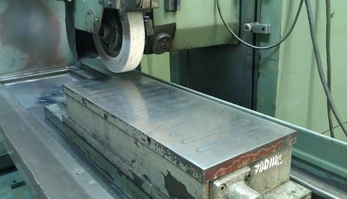 Плоская шлифовка металла