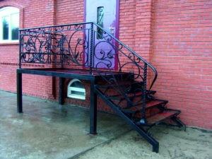 уличные металлические лестницы на заказ