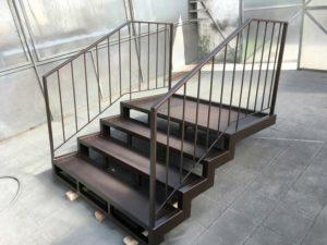 металлические ступени для дома на заказ