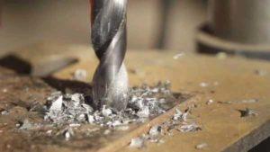 Сверление отверстий в закаленном металле