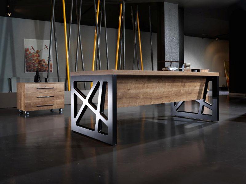 Столы для офиса в стиле лофт