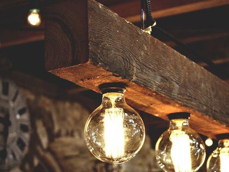 Светильник лофт из дерева