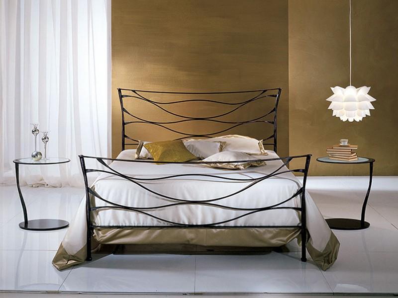 Кованые кровати в стиле лофт