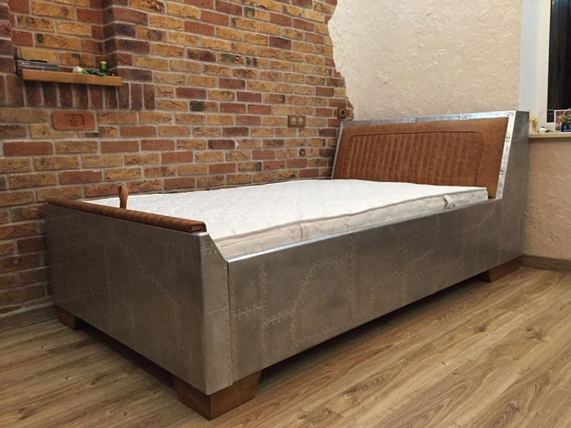 Кровать односпальная в стиле лофт (loft)