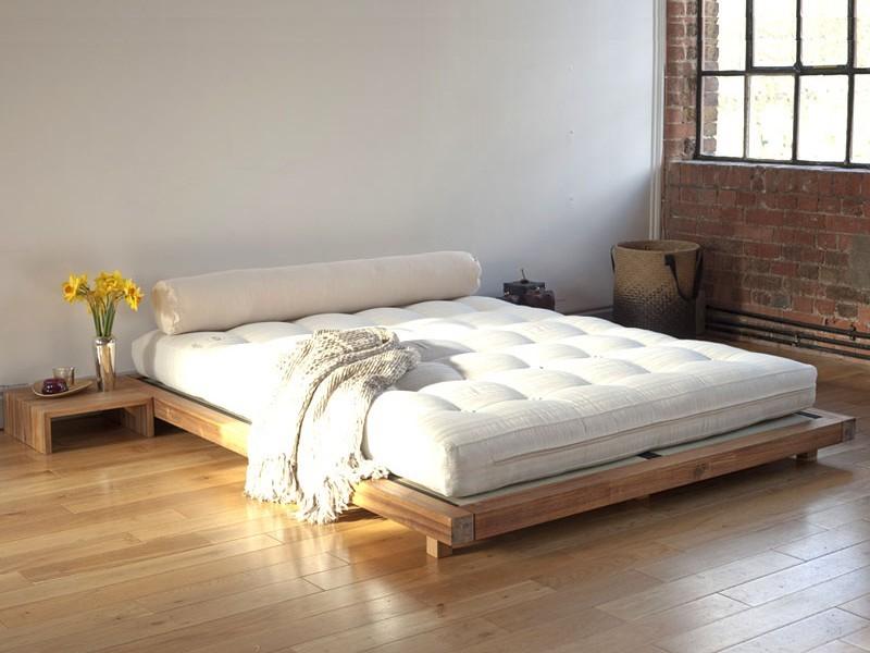 Кровать на подиуме лофт
