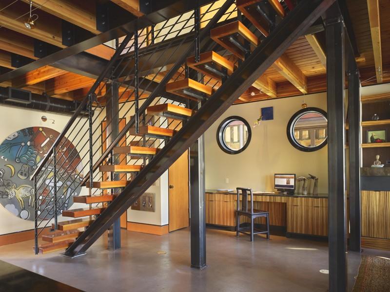 лестница в стиле лофт на заказ