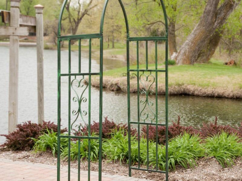 Садовые арки из металла