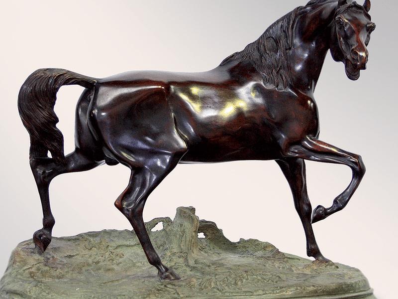 Из бронзы скульптуры