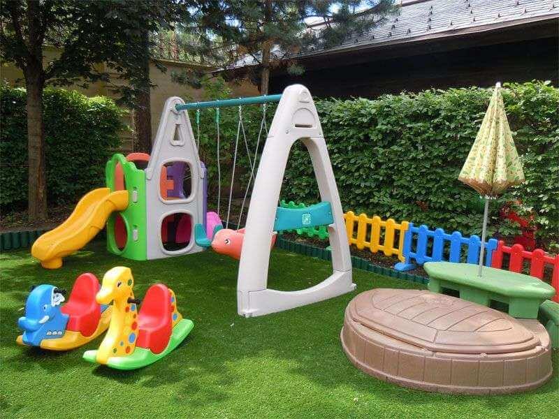 Детские площадки из пластика