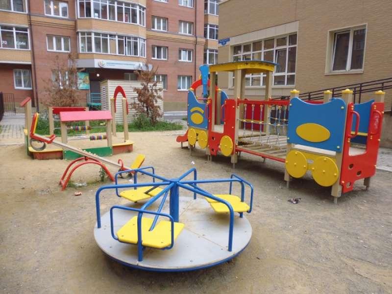 Детская площадка во двор