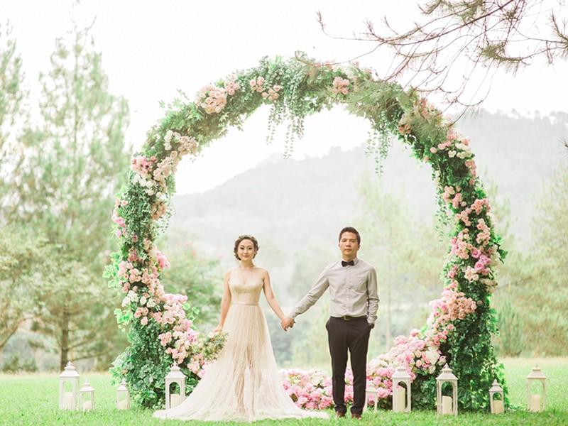 Круглая арка на свадьбу