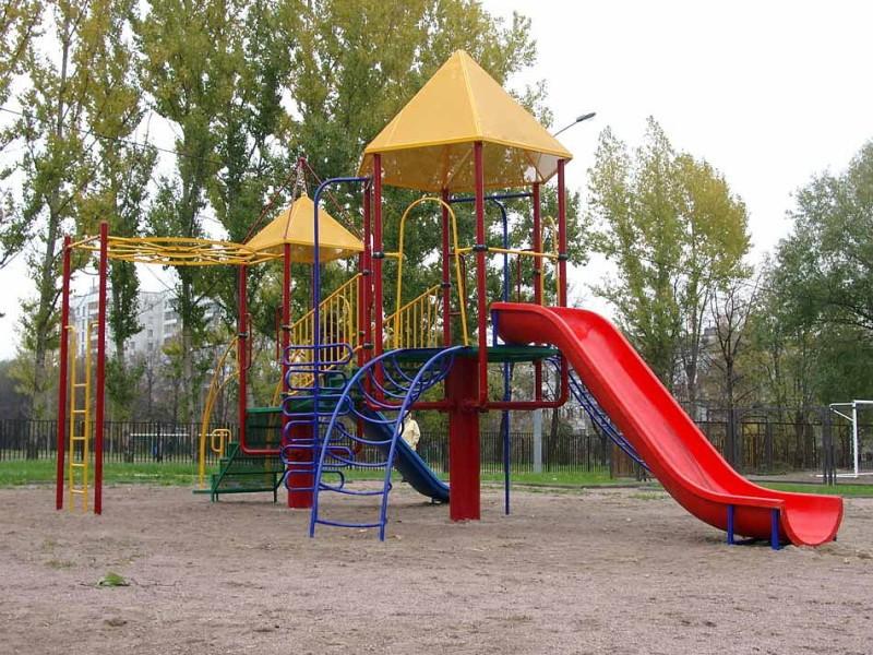 Железная детская площадка