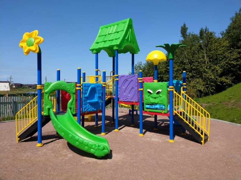 Детские игровые комплексы для дачи из пластика