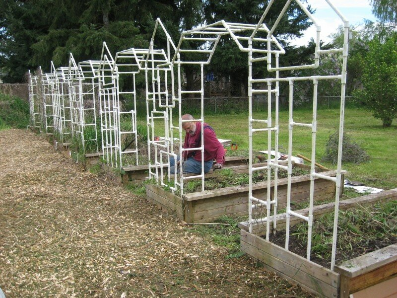 Белые садовые арки из пвх