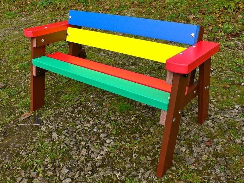 Деревянная детская скамейка