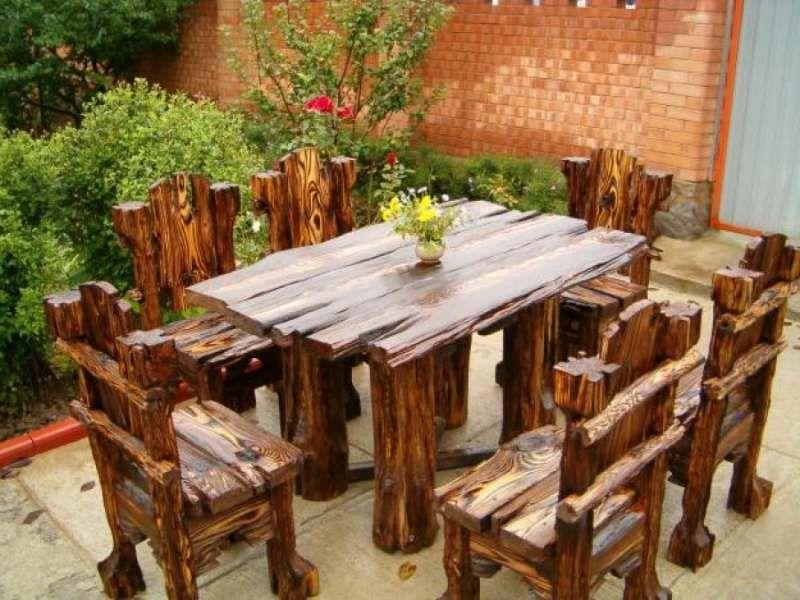 Уличный деревянный стол для дачи