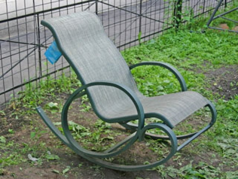 Кресла качалки металлические