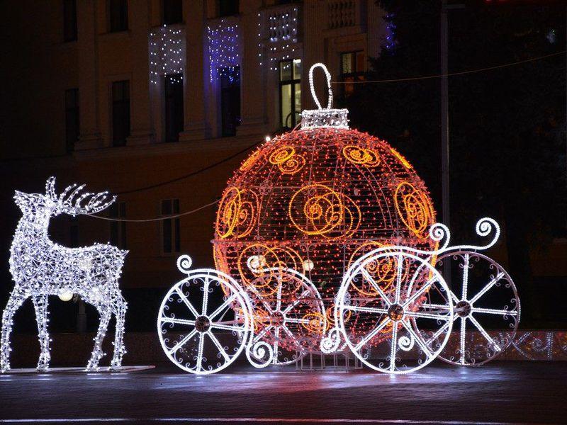 Новогодние светящиеся фигуры для улицы