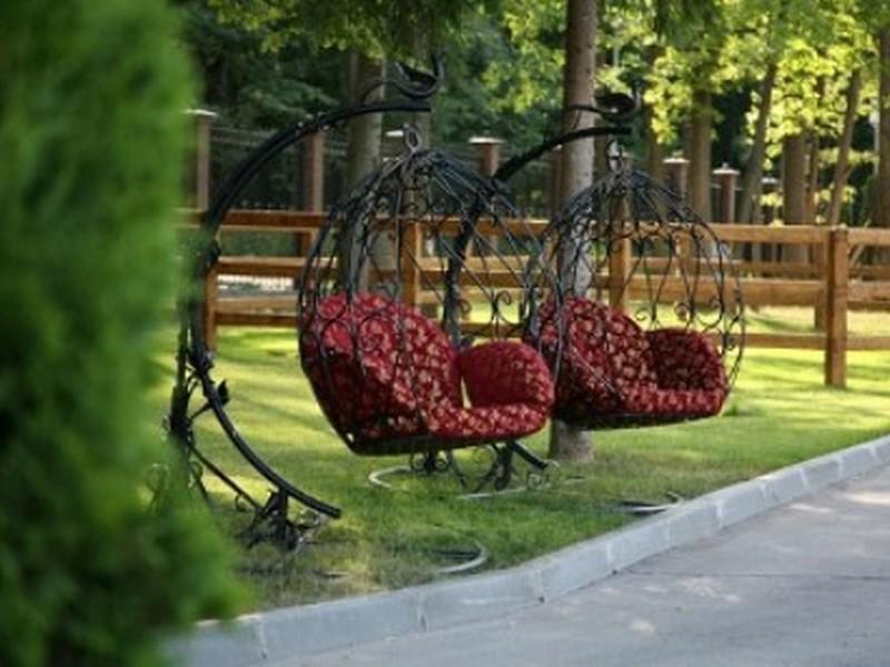 Парковые качели