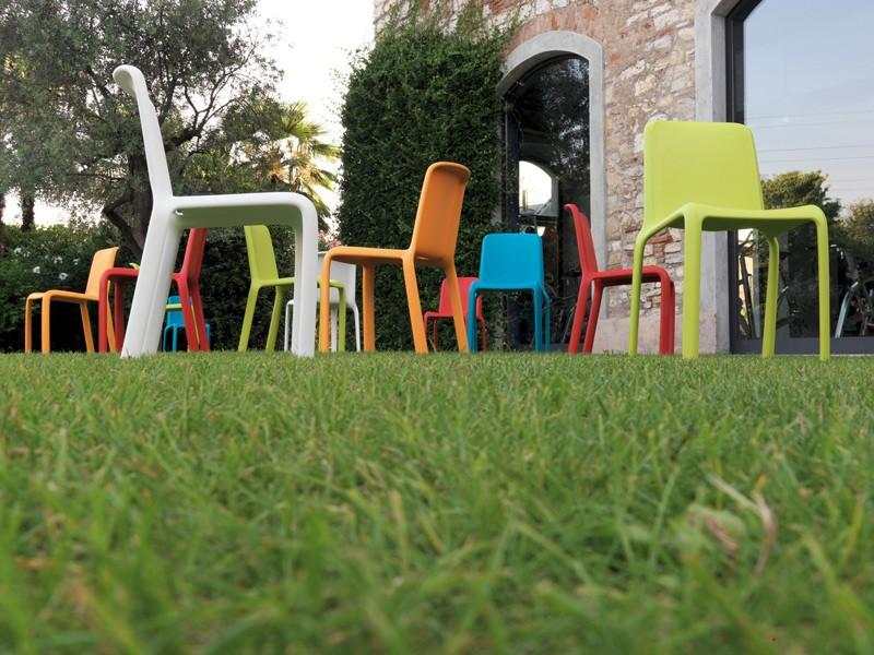 Кресло для дачи пластиковое