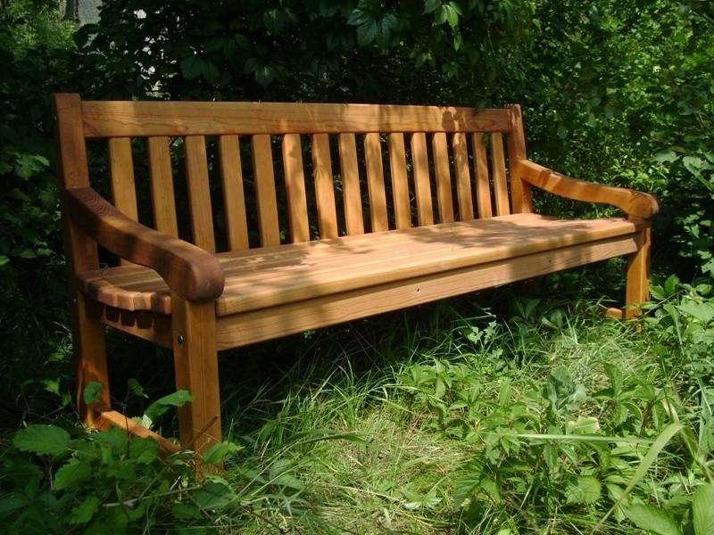Скамейка деревянная садовая