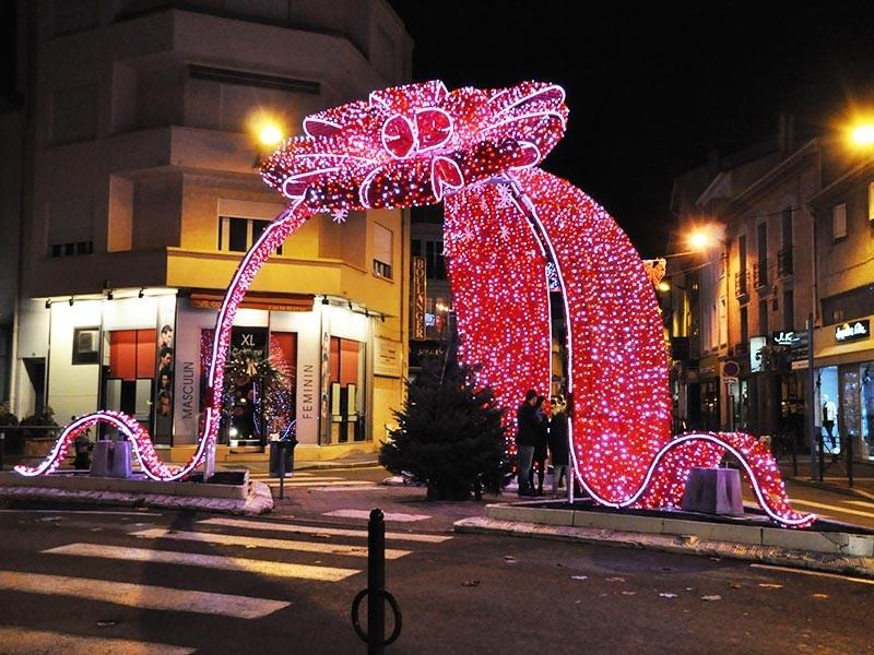 Уличные новогодние украшения