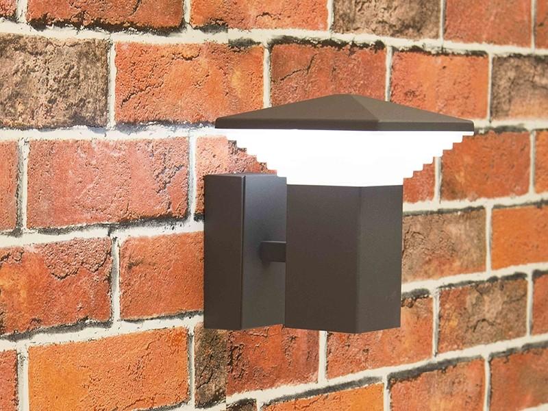 Уличный настенный фонарь