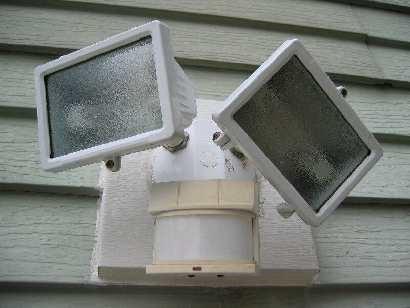Светильники с датчиком движения для дома уличный