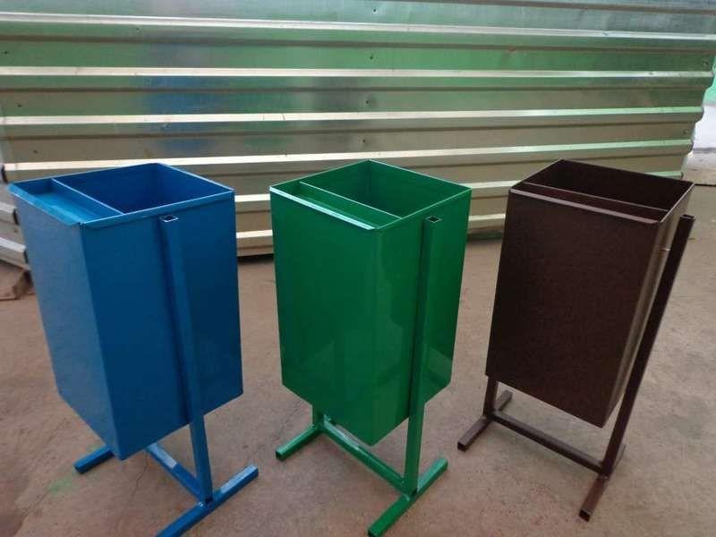 Уличные урны для мусора