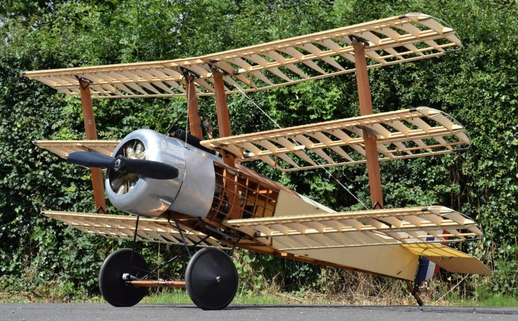 Airplane_140_Sopwith_Triplane_Wooden_530093_3266x1837