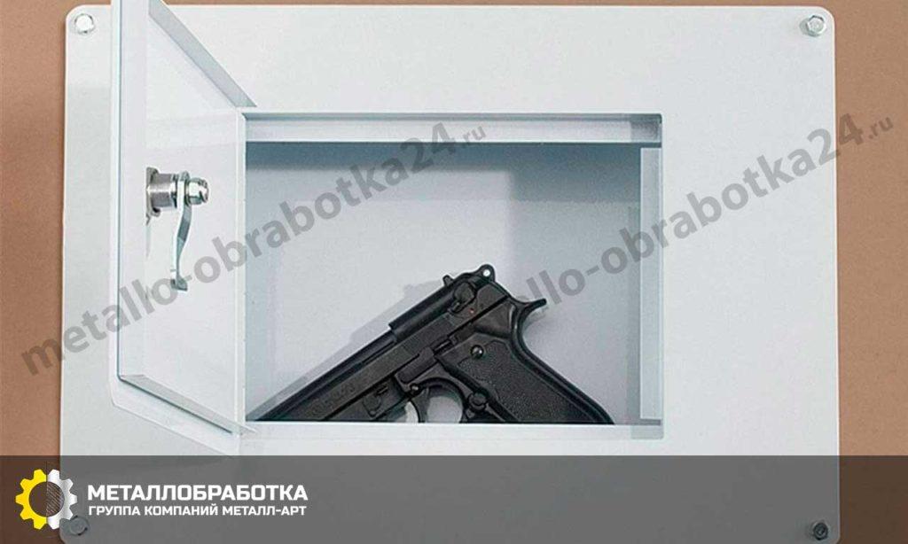 заказать Встраиваемый в стену сейф для дома