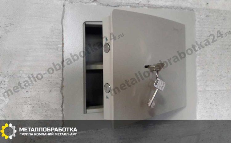 seyfy-dlya-kvartiry-vstraivaemye (6)