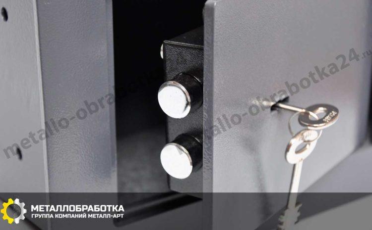 skrytye-seyfy-dlya-kvartiry (5)